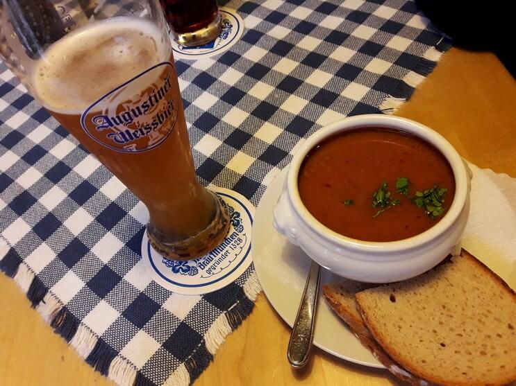 Гуляшсуп - традиционное баварское блюдо, сытное и очень вкусное.