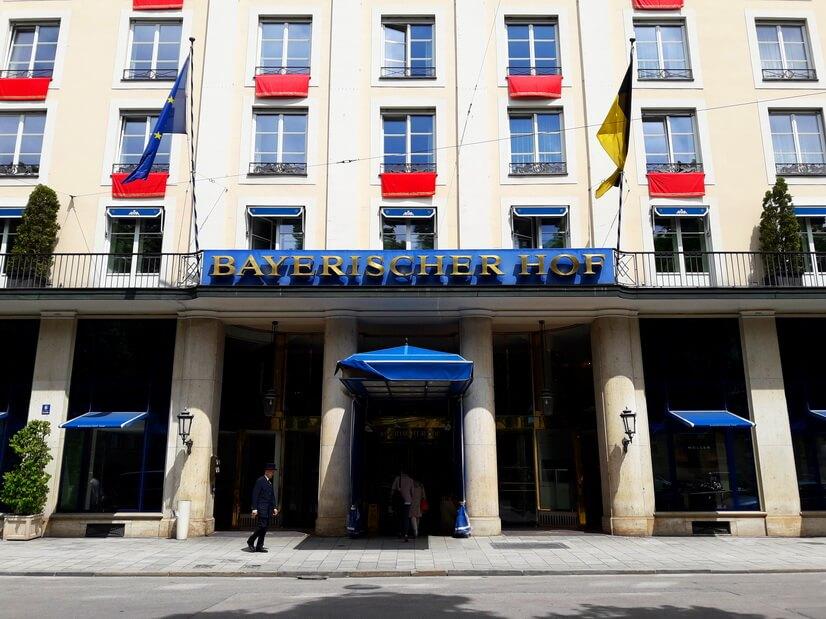 Отель Bayerischer Hof в Мюнхене