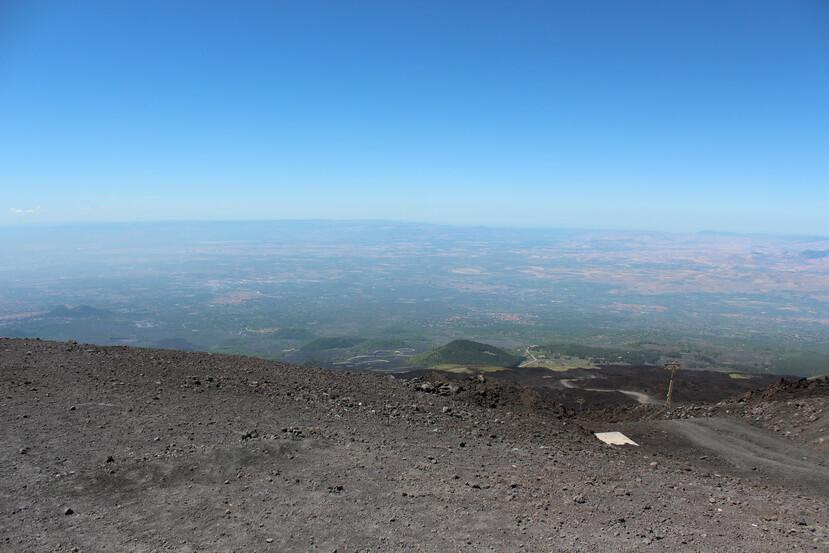 Этна высота 2300 метров