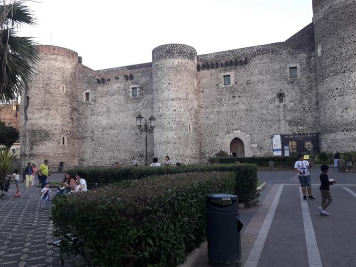 Замок Урсино в Катании