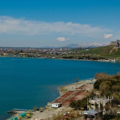 How to rent a car in Yerevan (Armenia): my experience and review.