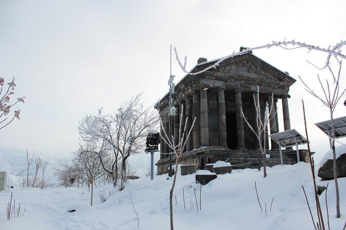 армения зимой гарни