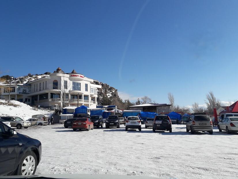 парковка у монастыря севанаванк