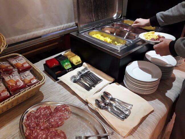 завтрак в отеле dock milano