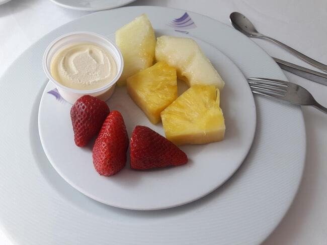 фрукты в отеле бриза