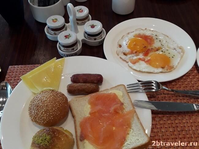 завтраки в отеле fairmont ajman