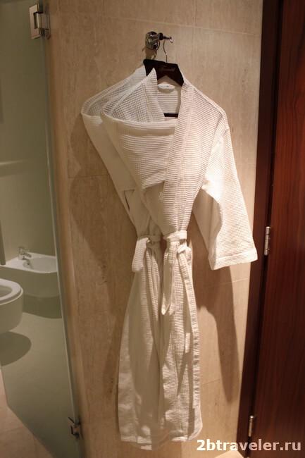 халаты и тапочки в фэйрмонт аджман