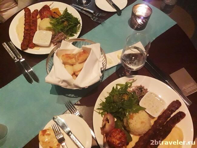 турецкий ресторан в отеле fairmont ajman