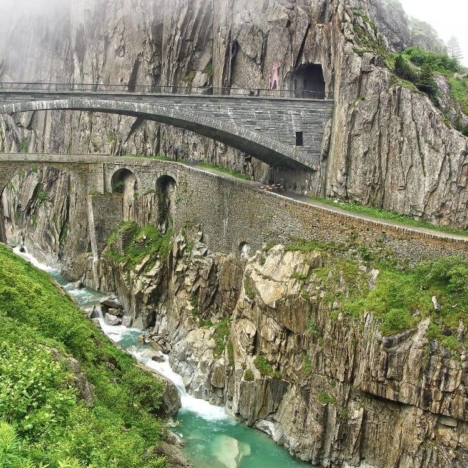 Reichenbach falls, Switzerland: where it is, photos of the waterfall, hotels near the waterfall