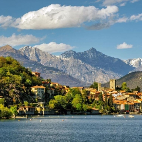 Northern Italy: the most beautiful cities and lakes. A journey by car.