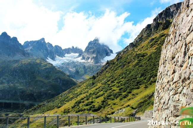 pass in the swiss alps