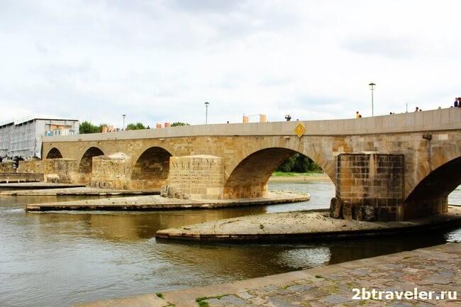 каменный мост в регенсбурге германия