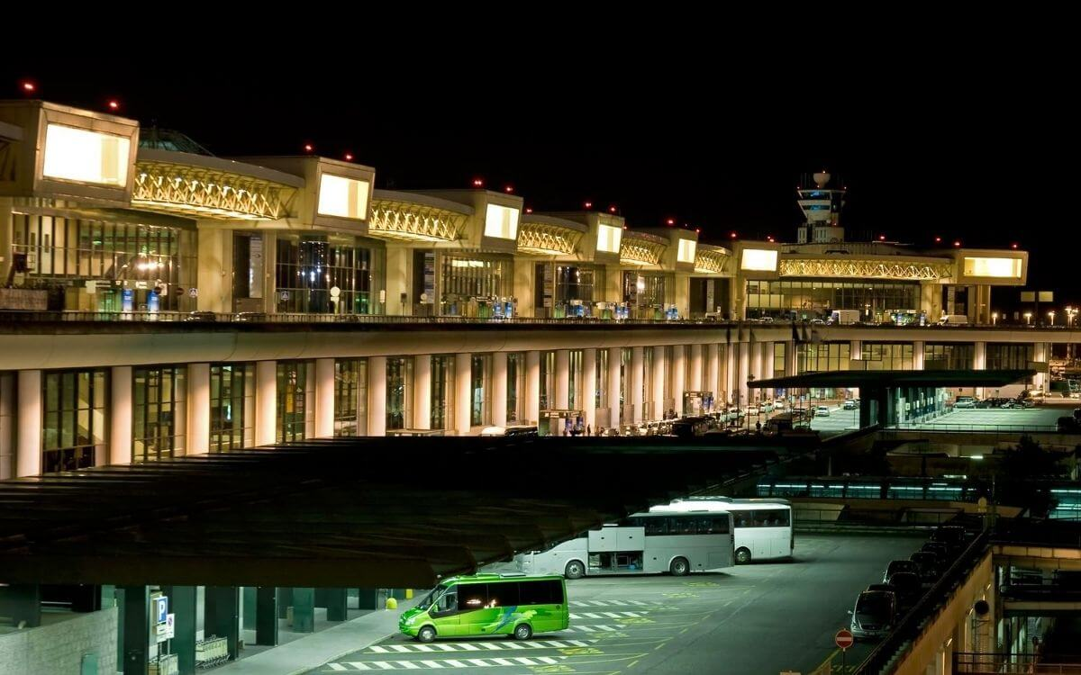 Malpensa Airport (Milan) - 2021: services, map, how to get ...