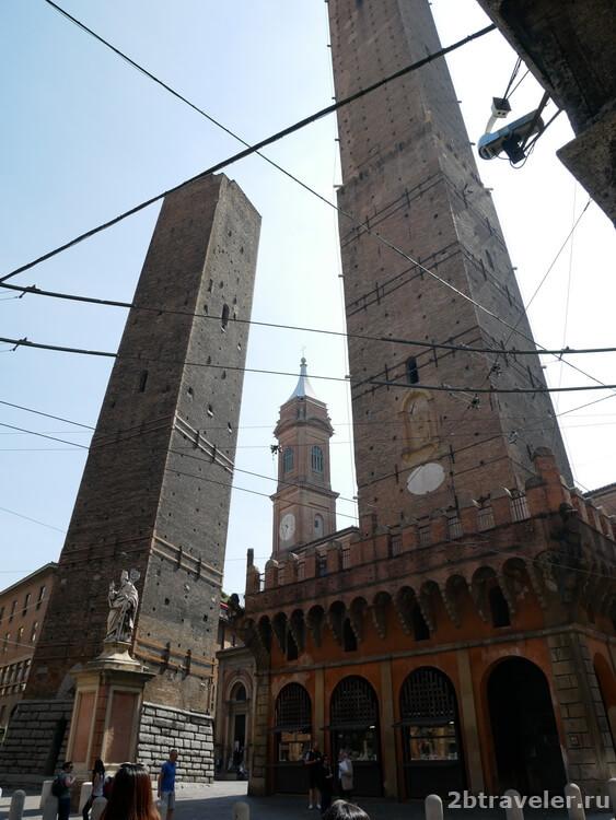 падающие башни болонья