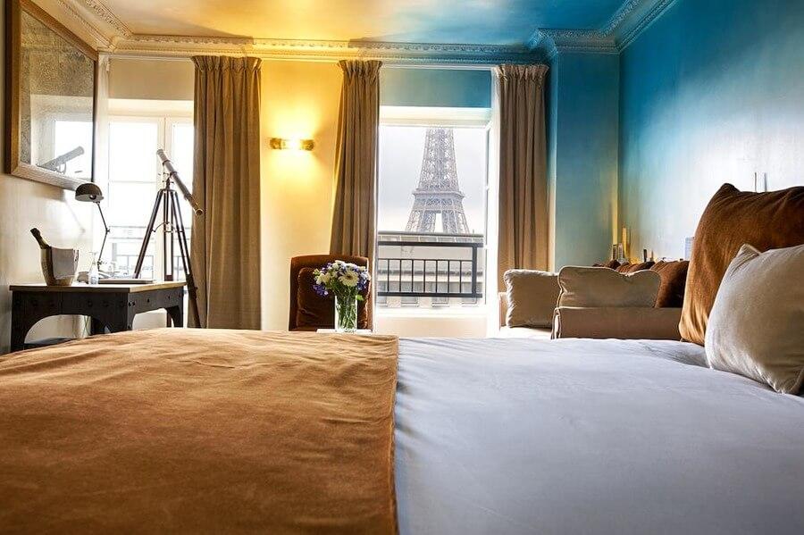 недорогой отель с видом на эйфелеву башню