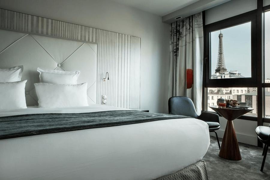 отель с видом париж