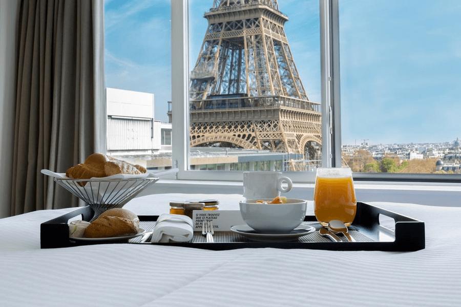 отель радом с эйфелевой башней париж