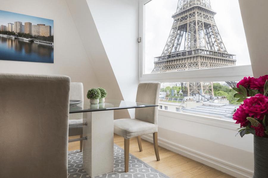 апартаменты с видом на эйфелеву башню
